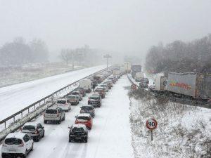 En raison de l'épisode neigeux à venir, un arrêté préfectoral d'interdiction de circulation concernant le transport scolaire collectif va être pris pour la journée deMercredi 30 Janvier 2019